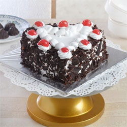 1kg Heart Shaped  cake