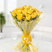 15 Yellow roses