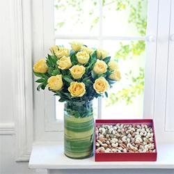 Yellow roses vase